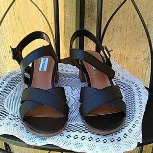 Steve Madden Rylen sandals